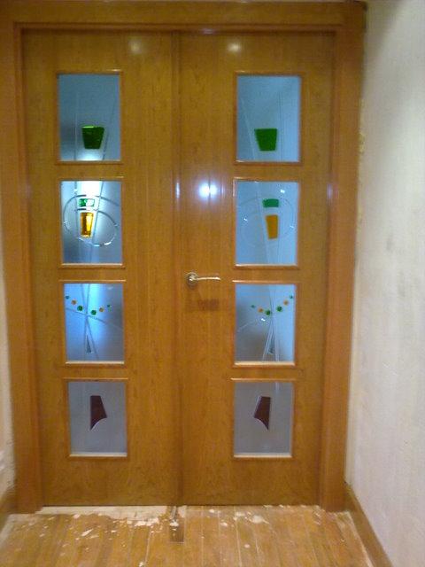 Galeria carpinteria en general puertas block for Cristales para puertas de interior