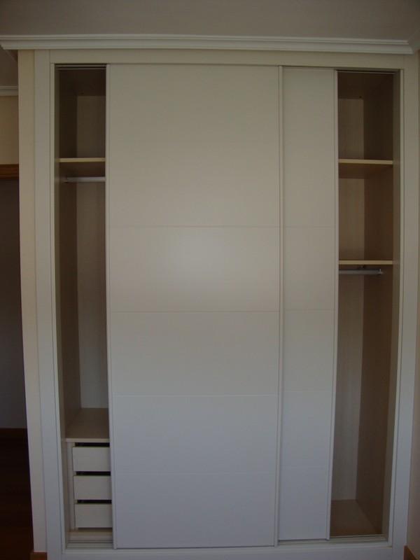 Puertas correderas empotradas blancas puertas de interior for Puertas correderas baratas